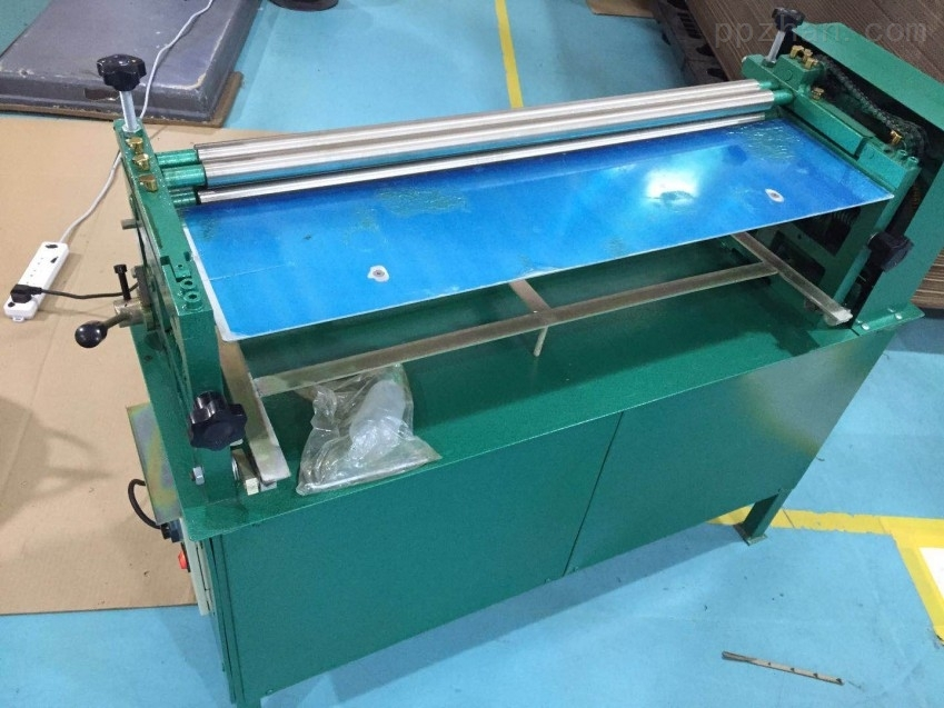 柜式裱纸胶水机